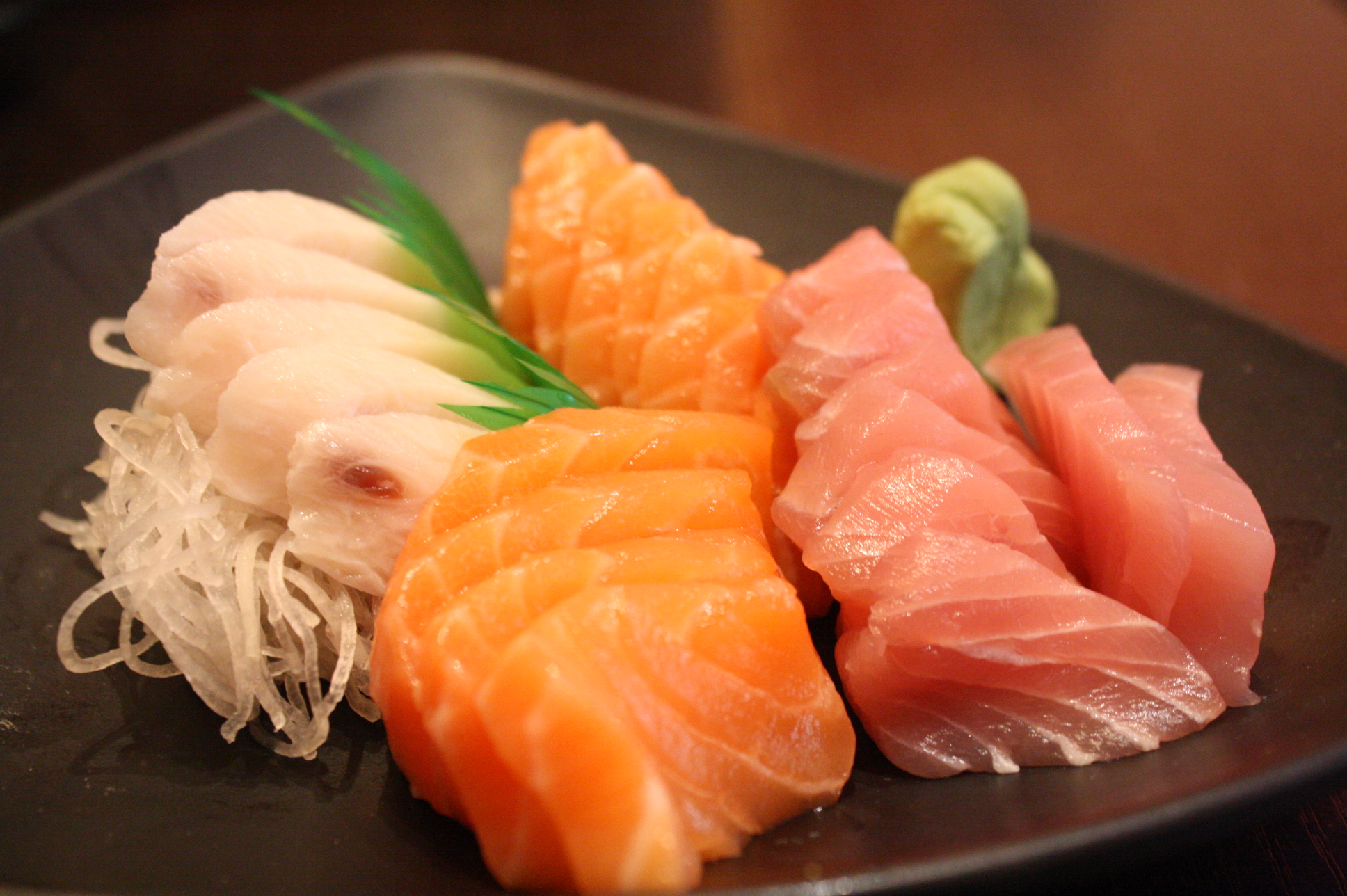 Senki japanese buffet ooh baby you 39 re a classic for Best fish for sushi